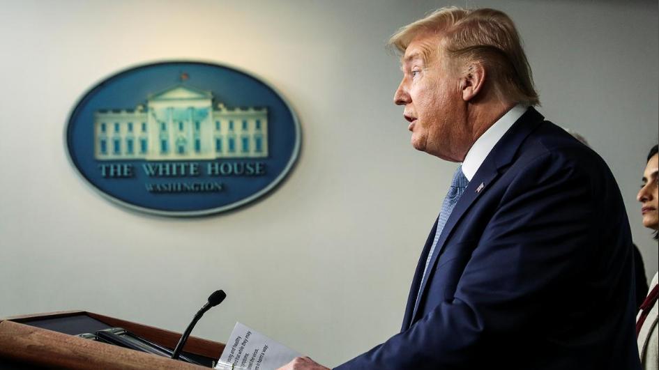 """Donald_Trump_parle_d'un_""""virus_chinois""""_dans_son_tweet,_suscitant_l'indignation_des_internautes_américains_:_""""tu_es_le_virus_américain_!"""""""